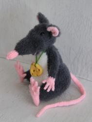 Крысёныш.