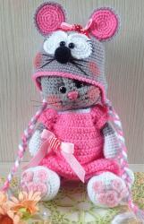 Кошечка Анфиса в костюмчике мышки