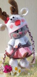 Кошечка Анфиса в костюмчике оленя